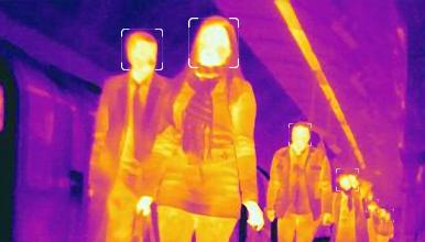 サーモグラフィーによる入場時の体温測定